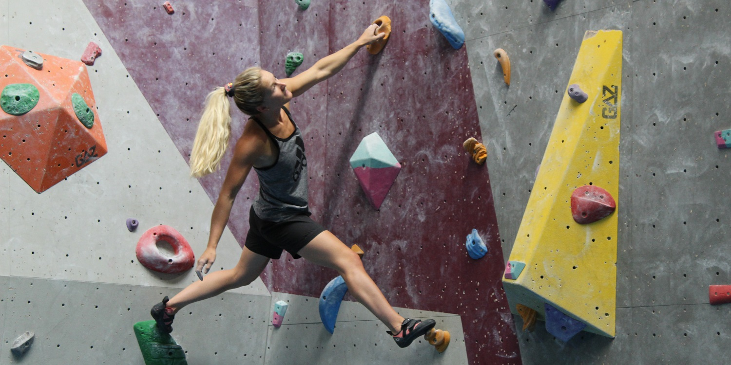 Shauna Coxsey bouldering at the XC Hemel Hempstead